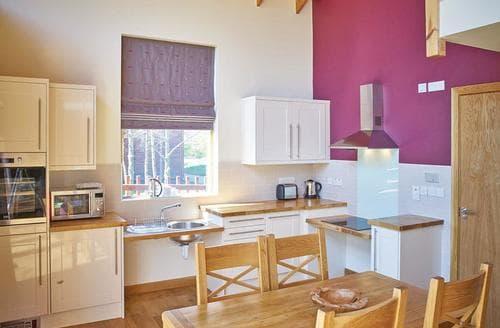 Last Minute Cottages - Wonderful Coleford Lodge S108895
