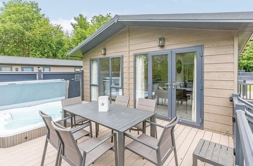 Last Minute Cottages - Lovely Aysgarth Lodge S108950