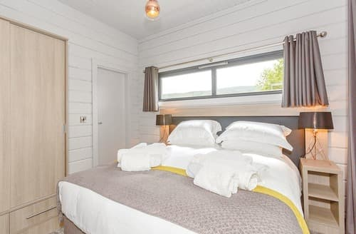 Last Minute Cottages - Gorgeous Aysgarth Lodge S108996
