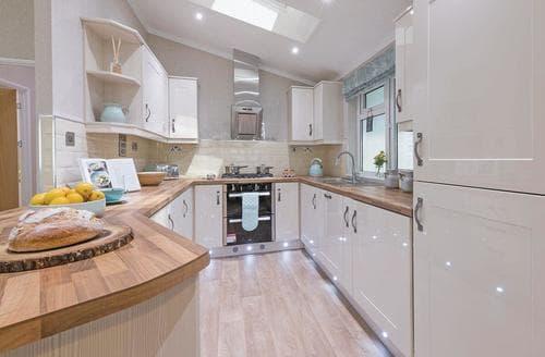 Last Minute Cottages - Quaint Horham Lodge S109029