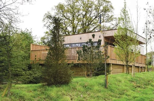 Last Minute Cottages - Superb Henlle Lodge S109090