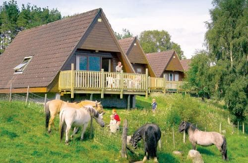 Last Minute Cottages - Tasteful Delny Lodge S109098