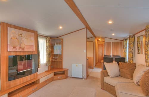 Last Minute Cottages - Cosy Dobwalls Lodge S109255