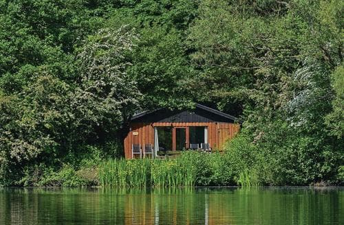 Dog Friendly Cottages - Exquisite York Lodge S109325