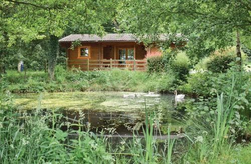 Last Minute Cottages - Lovely Ledbury Lodge S109377
