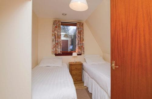 Big Cottages - Quaint Kinlochlochy Lodge S109403