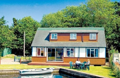 Big Cottages - Excellent Wroxham Lodge S109424