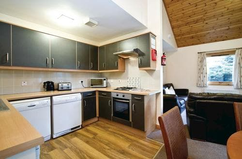 Last Minute Cottages - Beautiful Fowlis Lodge S109476