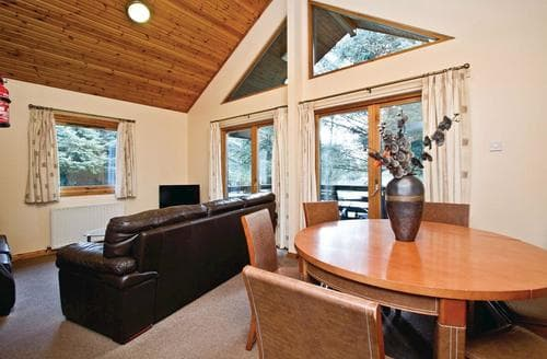 Big Cottages - Luxury Fowlis Lodge S109484