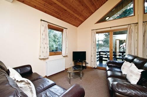 Big Cottages - Cosy Fowlis Lodge S109486
