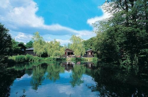 Dog Friendly Cottages - Charming Henford Marsh Lodge S109492