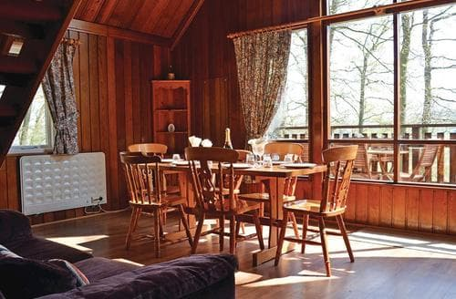 Last Minute Cottages - Lovely Garthmyl Lodge S109528