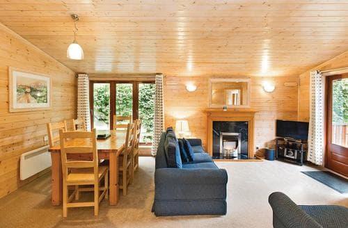 Big Cottages - Captivating Matlock Lodge S109533