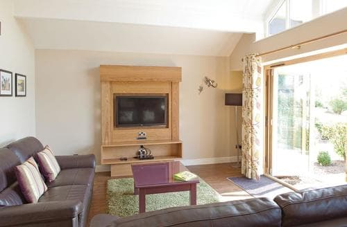 Big Cottages - Captivating Wrea Green Lodge S109569