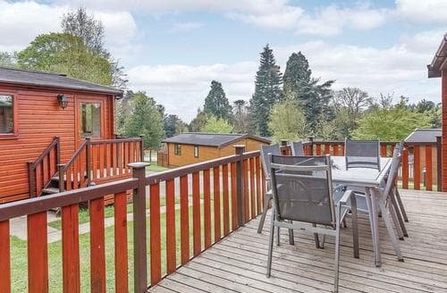 Last Minute Cottages - Gorgeous Ashbourne Lodge S109599