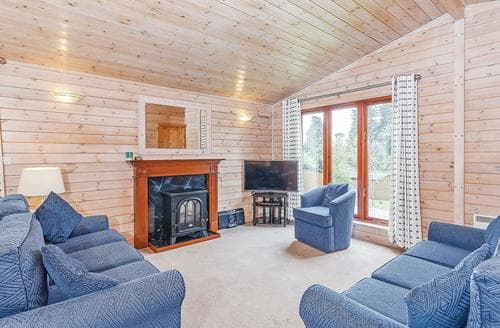 Last Minute Cottages - Tasteful Ashbourne Lodge S109603