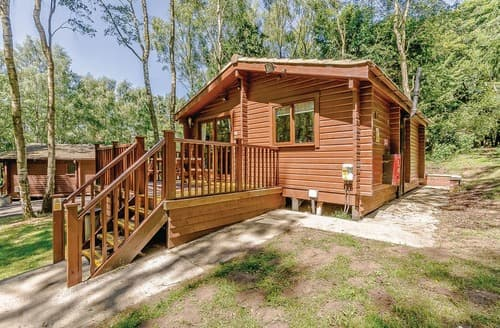 Last Minute Cottages - Inviting Sherwood Forest Lodge S109651
