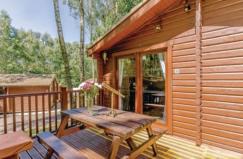 Last Minute Cottages - Luxury Sherwood Forest Lodge S109659