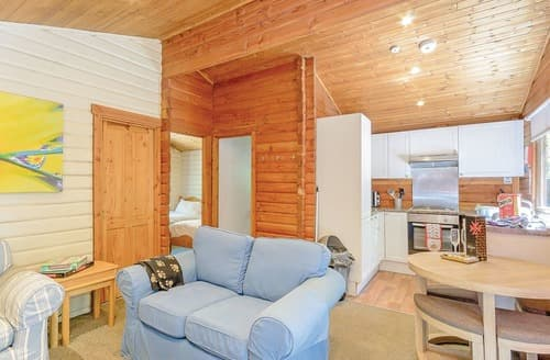 Last Minute Cottages - Exquisite Sherwood Forest Lodge S109666