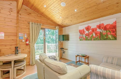 Last Minute Cottages - Cosy Sherwood Forest Lodge S109696