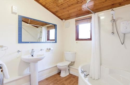 Last Minute Cottages - Beautiful Warmwell Lodge S109724