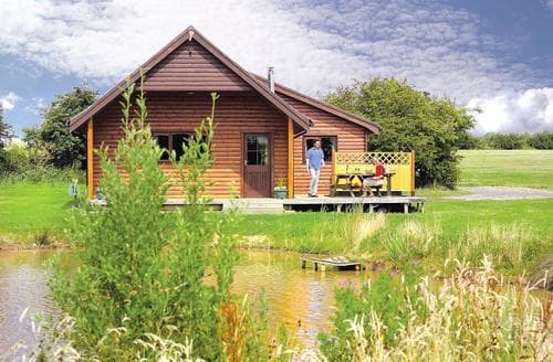 Last Minute Cottages - Tasteful Fitling Lodge S109759