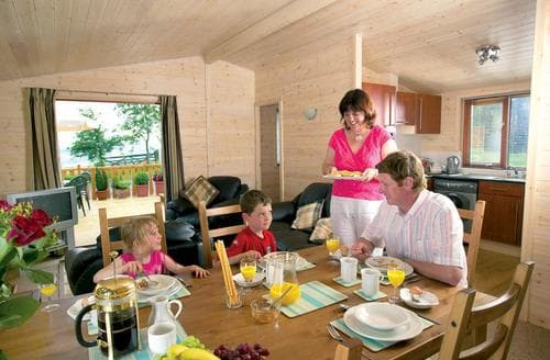 Last Minute Cottages - Attractive Llangadfan Lodge S109828