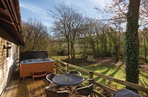 Last Minute Cottages - Quaint Stratton Lodge S109835
