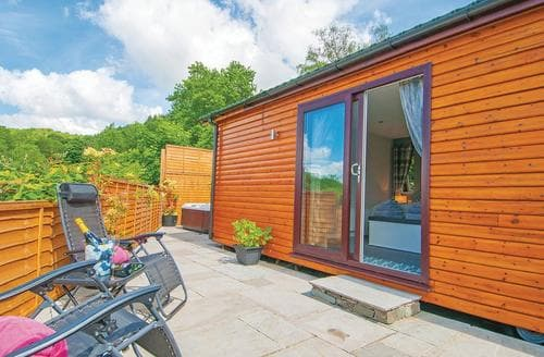 Last Minute Cottages - Superb Newby Bridge Lodge S109861