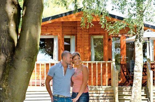 Last Minute Cottages - Adorable Cotswolds Lodge S109883