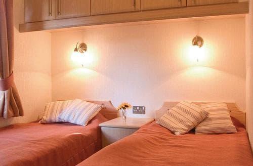 Last Minute Cottages - Gorgeous Rock Lodge S109886