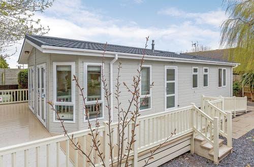Last Minute Cottages - Wonderful Talacre Lodge S109958