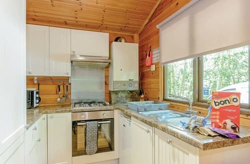 Last Minute Cottages - Attractive Sherwood Forest Lodge S110036