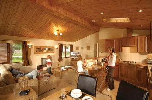 Last Minute Cottages - Beautiful Pitlochry Lodge S110090