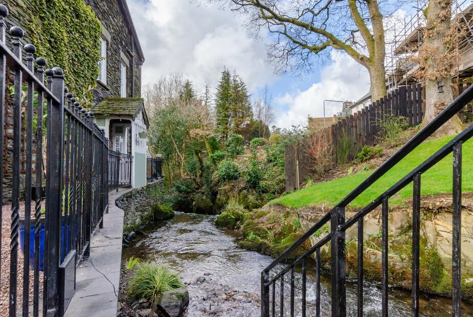 - Brookside Cottage
