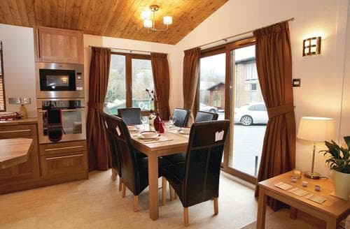 Last Minute Cottages - Inviting Pitlochry Lodge S110111