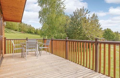 Last Minute Cottages - Attractive Ashbourne Lodge S110114