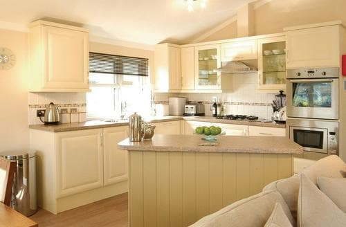 Last Minute Cottages - Dorchester 3 Bed Lodge