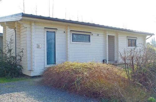 Last Minute Cottages - Exquisite Roydon Lodge S110373