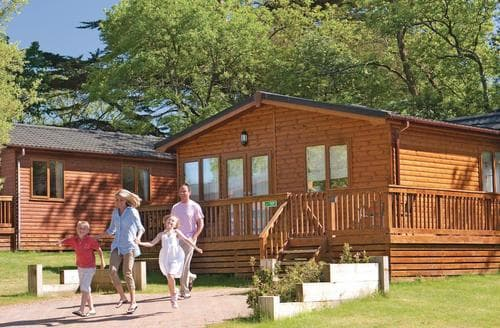 Last Minute Cottages - Stunning Rock Lodge S110391