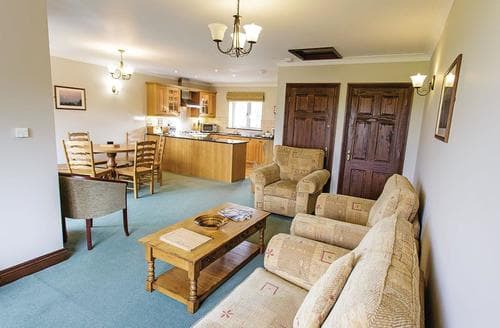Last Minute Cottages - Cosy Porth Lodge S110395