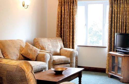 Last Minute Cottages - Tasteful Porth Lodge S110397