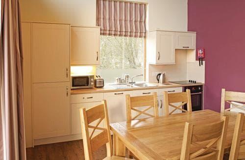 Last Minute Cottages - Superb Pickering Lodge S110434