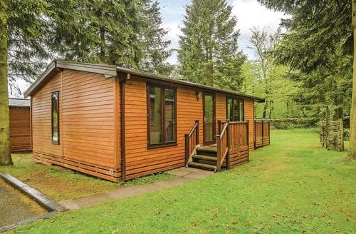 Last Minute Cottages - Lovely Matlock Lodge S110450
