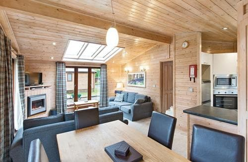 Last Minute Cottages - Captivating Matlock Lodge S110465