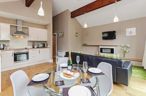 Last Minute Cottages - Delightful South Duffield Lodge S110541