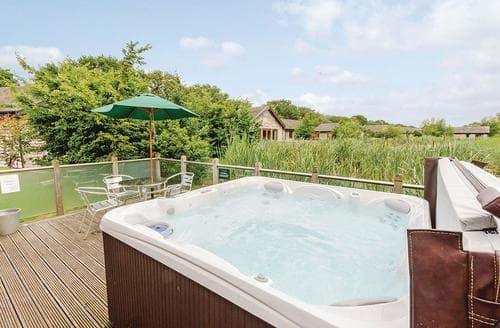 Last Minute Cottages - Stunning South Duffield Lodge S110544