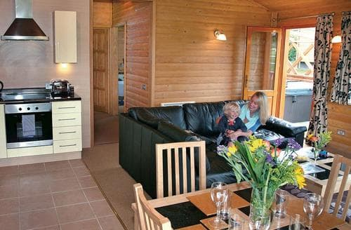 Last Minute Cottages - Fairway Lodge VIP