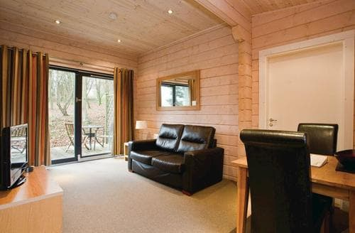 Last Minute Cottages - Lovely Aysgarth Lodge S110651