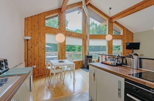 Last Minute Cottages - Exquisite Llangollen Lodge S110692